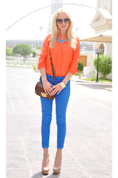 http://calzaclick.files.wordpress.com/2012/07/orange-zara-shirt-brown-topshop-bag-blue-bershka-pants_my-coulour-blocking.jpg